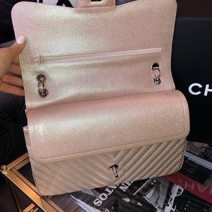 454371145656 CHANEL Bags   Iridescent Light Rose Gold Chevron Jumbo   Poshmark